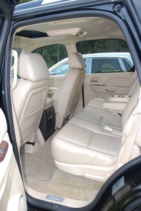 ESCALADE interieur